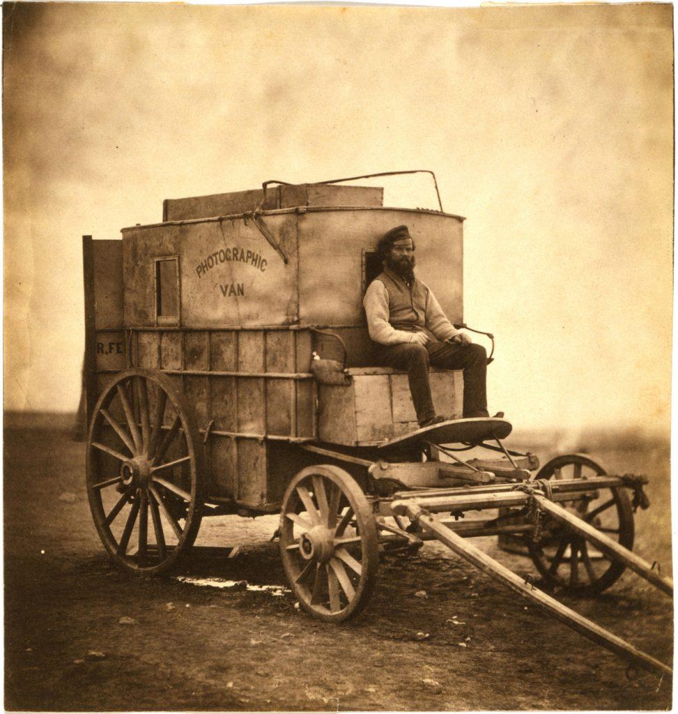 Roger_Fenton's_wagon-1920px